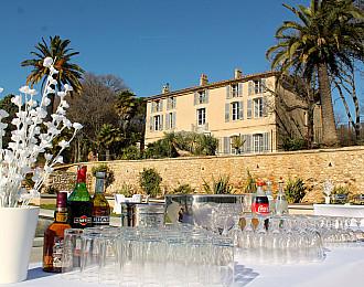 Apéritif à la Villa Brignac